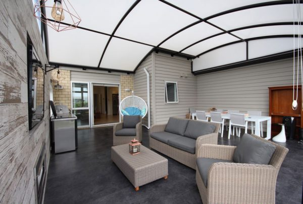 outdoor awning room