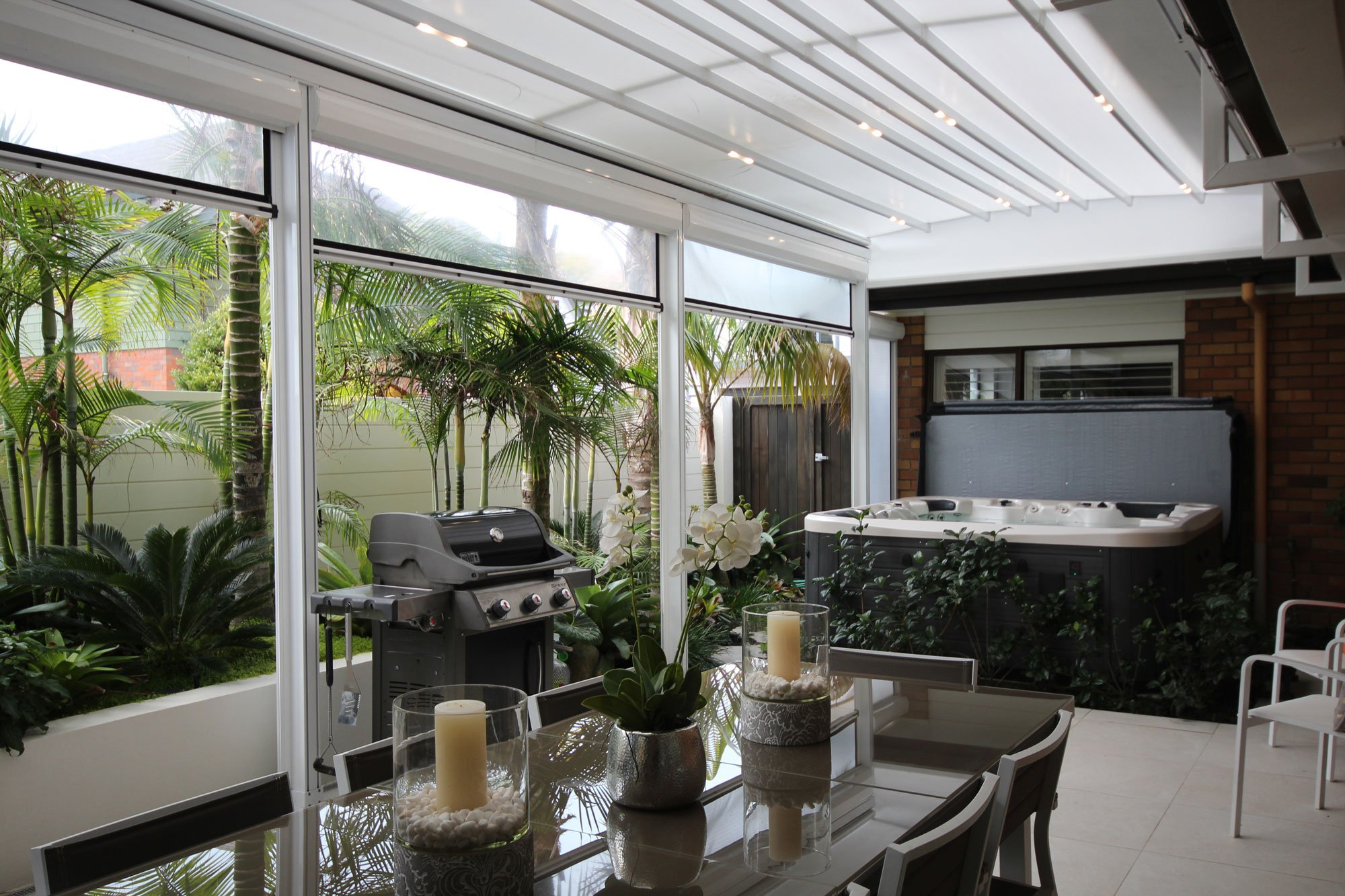 Canopy Awning vs. Pergola: Which is Right For My Home?